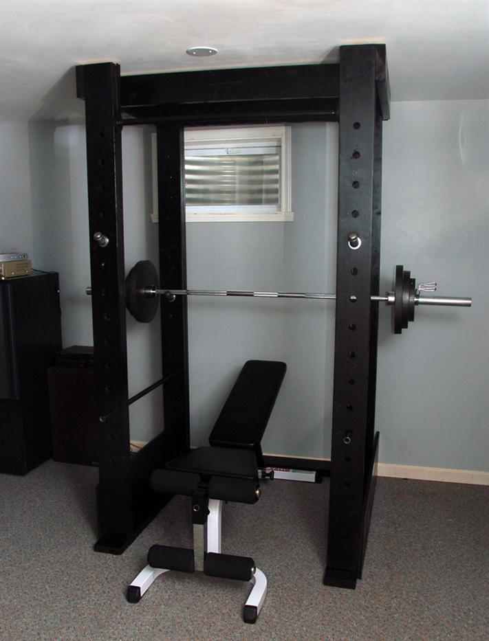rogue garage gym ideas - Homemade power rack made out of wood and pipe