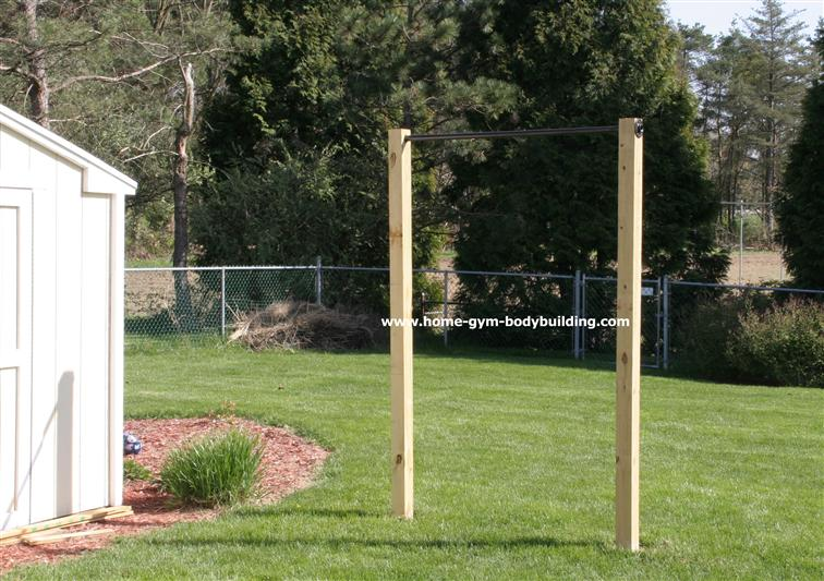 homemade outdoor pullup bar